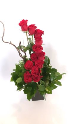 ☘️ As you're out and about, remember that the true color of ? Christmas Flower Arrangements, Unique Flower Arrangements, Unique Flowers, Silk Flowers, Beautiful Flowers, Rose Flower Wallpaper, Valentines Flowers, Arte Floral, Flower Delivery