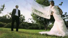 Roxana y Kike se casaron en un destino de México que nos gusta mucho Saltillo, Coahuila. A pesar de que en la entrada nucpial se fué la luz repentinamente, el padre que ofreció la ceremonia y la buena vibra de la gente, convirtieron este momento en uno magico e inolvidable. #bodas #Saltillo #Mexico Video de boda realizado por: http://www.reelove.com/ Tel. 01+81+81922841 contacto@reelove.com