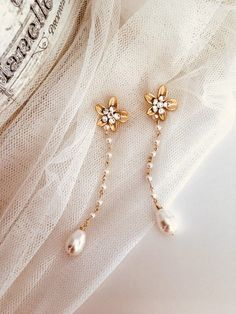 Beaded Earrings Long Bridal Earrings Dangle #delicateearrings #goldstudearrings #goldflowerearrings #romanticwedding #bridalstudearrings #swarovskistuds #longbridalearrings #bridalearrings #dangleearrings #bridalearringdrop #bridaljewelry #beadedearrings #pearlearrings