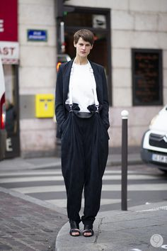 While we're having a #Saskia moment... earlier this month...Saskia de Brauw #offduty (girl knows how to put an outfit together)