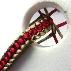 Kumihimo - Nudo plano para pulsera de la bandera de España, pero con 8 hebras