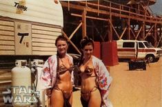 Carrie Fisher and stunt double Tracey Eddon during a break on set of Return of the Jedi 1982