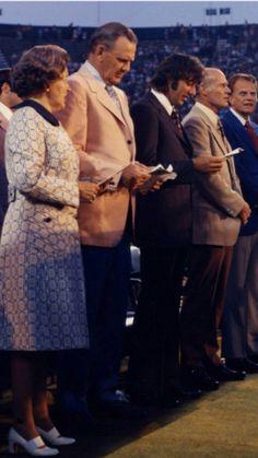 Mrs. Bryant, Coach Bryant, Joe Willie, Coach Landry, & Rev. Billy Graham