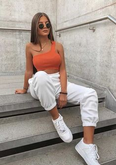 New Ideas For Fashion Style Women Over 40 Summer White Jeans Moda Outfits, Sporty Outfits, Stylish Outfits, Summer Outfits, Picnic Outfits, Vacation Outfits, Day Date Outfits, Girl Outfits, Autumn Outfits