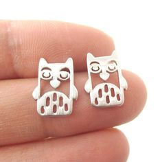 Adorable Owl Bird Face Shaped Stud Earrings in Silver | Animal Jewelry