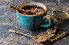 Imagine the exotic aromas of an Asian chai tea and then wrap a warm, velvety chocolate blanket around it and that's what you get with Cocoa Tea. Endo Diet, Cocoa Tea, Natural Spice, Powdered Milk, Cream And Sugar, Spice Blends, Stuffed Hot Peppers, Lonely Planet, Yummy Drinks