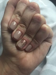 Field fox, CND shellac with rose gold glitter