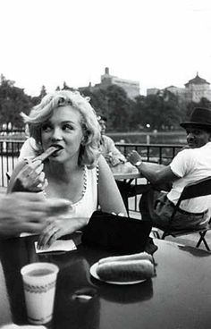 Marilyn Monroe in NYC, June 12, 1957.