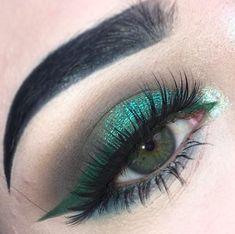 21 Gorgeous Eye Makeup Looks for Green Eyes > CherryCherryBeauty.com / fleurvmakeup