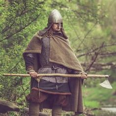 The Daneaxe was one of the most feared viking weapons! With an average shaft length of 5 feet, and an lightweight razorsharp blade, you could hack your opponents into pieces, without them getting even close to you! The most notorious historic story is the one, where a single berserker killed about 500 Anglo-Saxons at the battle of Stamford Bridge, in 1066!