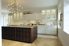 discreet emhatte, cabinets without handles