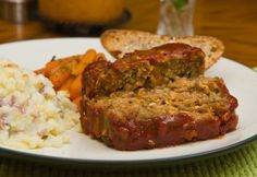vegan meatloaf - texture is really nice, i used meat substitutes (veggie burgers and veggie sausage). next time will add better-than-bouillion to give meatier flavor, very convincing.