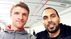 Selfie experts... not. 👀➡📸😂 A picture with @fcbayern and @dfb_team star @esmuellert during the Telekom Cup 2017. | 📍 ESPRIT Arena, Düsseldorf | 🔖 #TelekomCup #TelekomFussball #F95 #FCBayern #Mainz05 #Borussia #ESPRITArena #Düsseldorf #football #Fussball #Fuppes #CPDFootball #Bundesliga #soccer #potd #instadaily #Fortuna #friends #selfie #MiaSanMia #Bayern #München #MUC #ThomasMüller #DFB #DieMannschaft #adidas #adidasfootball