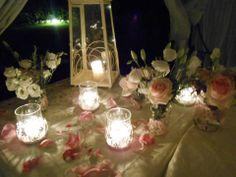 Un tavolo addobbato per uno dei nostri romantici pranzi di nozze. Organizza il tuo matrimonio romantico in Toscana nel nostro agriturismo vicino a Siena e San Gimignano