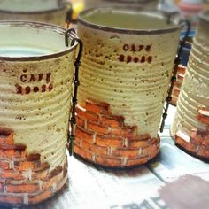 ortensiaさんの、レンガ風,ワイヤークラフト,リメ缶,リビング,のお部屋写真 Tin Art, Altered Tins, Succulents Garden, Handicraft, Fun Crafts, Arts And Crafts, Tin Can Alley, Craft Work, Diy Projects To Try