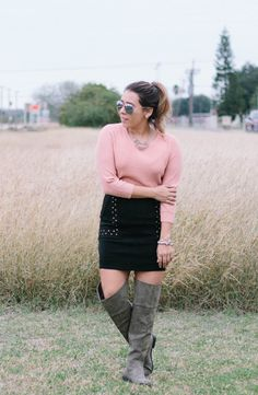 Suede Skirt, Leather Skirt, Knee High Boots, Over The Knee Boots, Mini Skirts, Fashion Tips, Fashion Hacks, Sick, Casual