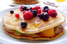 Chocolate chip pancakes with fruits... | Papa la Ile...