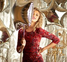 #yokkofashion #madeinromania #qualityfashion #velvetdress #beautiguldress #cocktaildress #printedvelvet #partylook #winterfashion Party Looks, Fashion Prints, Winter Fashion, Velvet, Glamour, How To Make, Winter Fashion Looks, The Shining