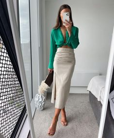 Night Outfits, Cool Outfits, Daily Fashion, Fashion Beauty, Formal Wear Women, Zara Outfit, Zara Fashion, Professional Outfits, Street Style Looks