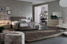 sillón blanco en el dormitorio moderno