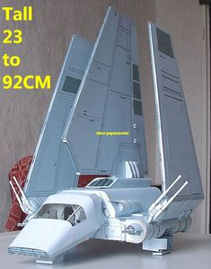 """Star Wars` Tydirium Spacecraft In Scale - by Raziel - Model Assembled and Photo by Raziel An stunning paper model of the Tydirium spacecraft, from Star Wars Universe, in scale, made by Polish designer Artur """"Raziel"""" Rożek. Star Wars Ships, Star Wars Art, Star Trek, Papercraft Star Wars, Stargate, Nave Star Wars, Star Wars Spaceships, Star Wars Crafts, Star Wars Personajes"""