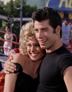 Danny and Sandy Grease John Travolta and Olivia Newton-John Grease 1978, Grease Movie, Movie Tv, Grease Musical, Grease Sandy, Danny Zuko, John Travolta, Iconic Movies, Vintage Movies