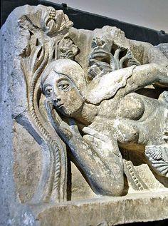 Eve by Gislebertus, Musee Rolin - Autun, Burgundy, Sculpture Art, Sculptures, Romanesque Art, French Sculptor, Crow Art, Esoteric Art, Adam And Eve, High Art, Medieval Art