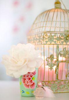 Handmade Talks: Shabby Chic decor ideas « My Website Pretty Pastel, Pretty Flowers, Beautiful Roses, Pastel Pink, Pastel Colors, Beautiful Things, Shabby Chic Homes, Shabby Chic Decor, Rustic Decor