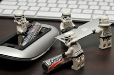How many stormtroopers does it take to replace mouse batteries? Star Wars Mädchen, Leia Star Wars, Star Wars Girls, Star Wars Boba Fett, Star Wars Humor, Lego Stormtrooper, Starwars Lego, Legos, Aniversario Star Wars
