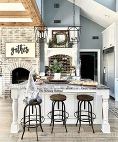 Seek this vital picture in order to take a look at today info on Home Remodeling Ideas Renovation Style At Home, Farmhouse Homes, Modern Farmhouse, Home Decor Kitchen, Kitchen Walls, Kitchen Items, House Goals, Home Fashion, My Dream Home