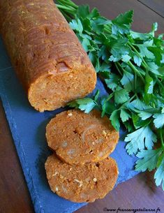 Saucisson à l'ail (recette végane) Healthy Food Alternatives, Raw Food Recipes, Brunch Recipes, Veggie Recipes, Vegetarian Recipes, Seitan Recipes, Healthy Appetizers, Appetizer Recipes, Charcuterie Vegan