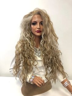 Carefree Beach Curls Bun - 20 Best Celebrity Bun Hairstyles for Long Hair - The Trending Hairstyle Party Hairstyles For Long Hair, Face Shape Hairstyles, Bun Hairstyles For Long Hair, Ladies Hairstyles, Human Lace Wigs, Best Lace Front Wigs, Long Hair Waves, Hair Quality, Long Wigs