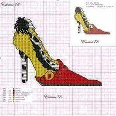 Queen of dalmatians x-stitch shoe