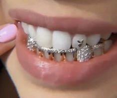 Cute Jewelry, Body Jewelry, Jewelry Accessories, Tooth Jewelry, Jewlery, Girl Grillz, Diamond Teeth, Tooth Diamond, Grills Teeth