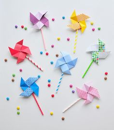 craft ideas with paper, easy paper crafts, paper pinwheels Easy Paper Crafts, Diy Crafts For Kids, Diy Paper, Paper Art, Art For Kids, Craft Ideas, Pinwheel Craft, Papier Diy, Origami Paper