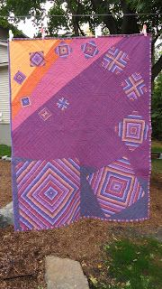 Oh, look, it's climbing a tree. ;)   Welome to our second TGIFF! Party! Laura at Quokka Quilts  and I think every finish deserves a party ...