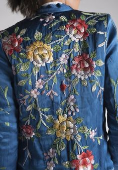 i have a vintage kimono just like this same colour too, except the flowers are not yellow , it is my go to sunday indulgent chill out uniform vintage couture style opulent embroidery Embroidery Fashion, Floral Embroidery, Embroidery Patterns, Folk Embroidery, Fashion Details, Boho Fashion, Fashion Vintage, Fashion Outfits, Embroidered Clothes