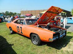 8/23 – Hillbilly Festival and Classic Car Show – Broadview Heights  http://ohiofestivals.net/42-hillbilly-festival-and-classic-car-show-broadview-heights-august-25-2012/