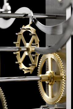 Insider: Panerai Galileo Galilei's Pendulum Clock PAM 500. A 30-Piece Limited Edition. Wooden Clock Plans, Wooden Gear Clock, Wooden Gears, Wood Clocks, Fancy Watches, Old Watches, Clock Repair, Mechanical Clock, Pendulum Clock