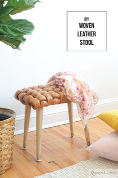 Learn how to make a woven leather stool with giant piping! More tutorials at FrancoisetMoi.com