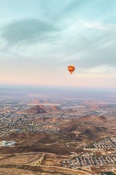 Time to plan your weekend. Wanna come fly with us? Sunrise flights available every day, Sunset flights start November 1! Air Balloon Rides, Hot Air Balloon, Colorado Springs, Places To See, Phoenix, Grand Canyon, Cool Photos, Arizona, Things To Do