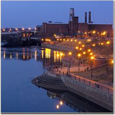 Chattahoochee River walk, Columbus GA Spent a couple nights out here, took romantic strolls after dinner ♥