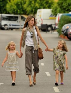 Princess Letizia with her daughters