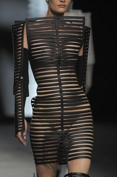 Gareth Pugh Spring 2012 - Details / repinned on toby designs