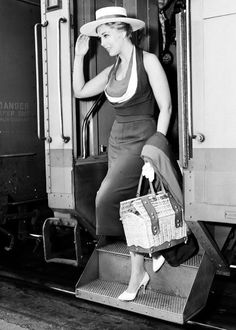 Lovely Kim Novak, cool, calm and collected after her train trip