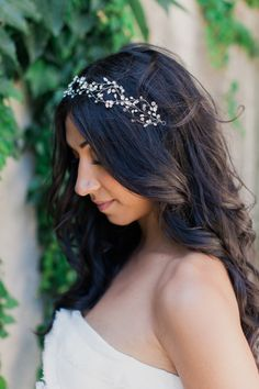 20 Ways to (Stylishly) Let Your Hair Down on Your Big Day - Style Me Pretty