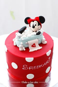 This is SOO good! Minnie Mouse themed cake by Bake-a-boo Cakes NZ, via Flickr