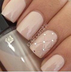 Very cute and classy for spring and summer. #nailspiration #naildesign #nailpolish #nails
