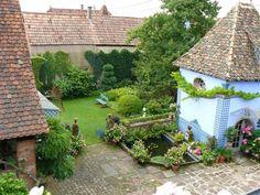 Jardins de la Ferme Bleue a Uttenhoffen, Alsace http://www.jardinsdelafermebleue.com/jardins.html
