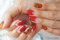 べっ甲&レッドネイル♡ 【acca style】 http://nail-beautynavi.woman.excite.co.jp/design/detail/340013?pint ≪ #nail #nails #nailart #softgel #red #brown #ネイル #フレンチ ≫